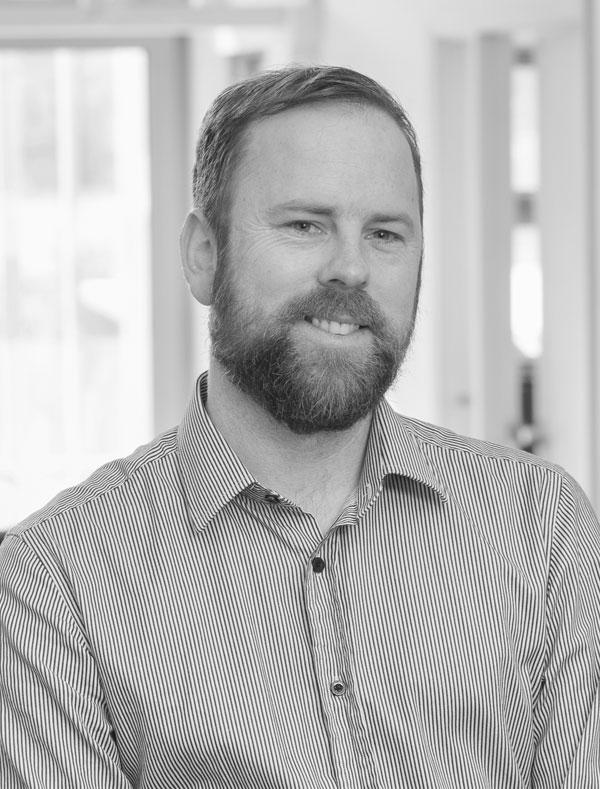 Elliot Payne - SENIOR PROJECT MANAGER